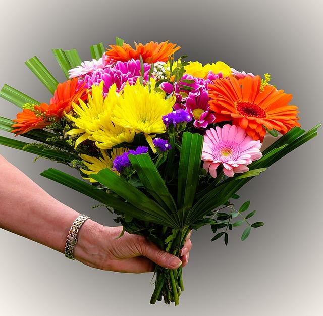 flowers-1369842_640